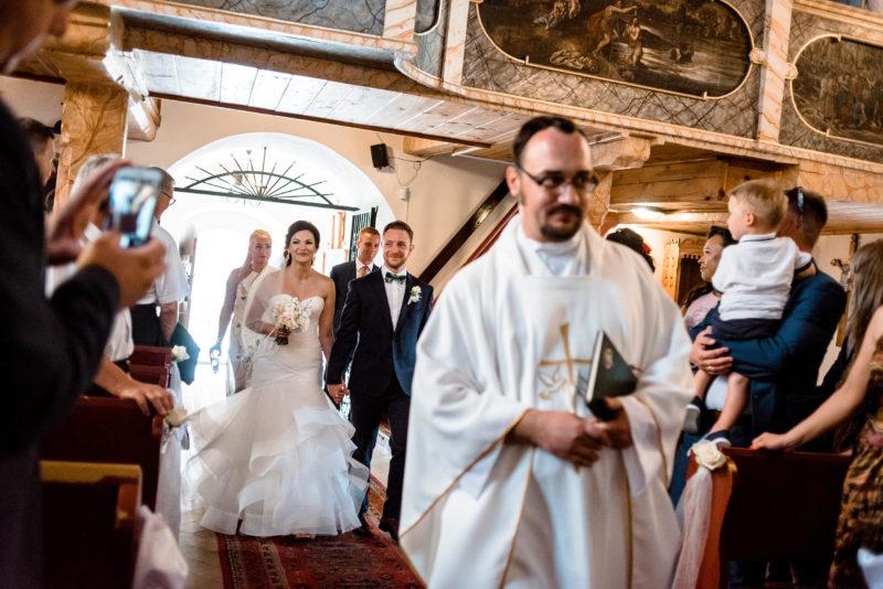 wesele w palacu mojecice - naturalny fotoreportaz slubny - slub