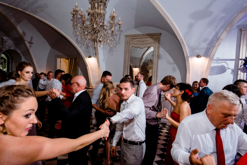 wesele w palacu mojecice - zabawa na sali