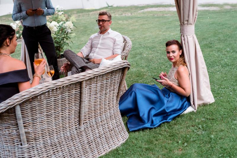 wesele w palacu mojecice - naturalne zdjecia slubne - autentyczna fotografia slubna